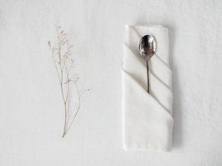 serwetki materiałowe białe
