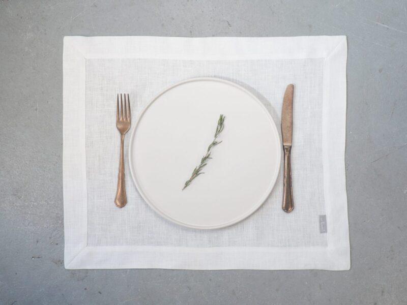 materiałowe podkładki pod talerze