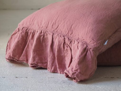 Kissenbezug mit Rüschen rosa