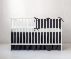 Linen crib bumper with bows