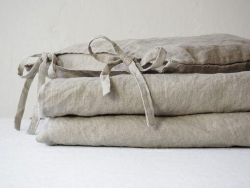 Linen nursery bedding