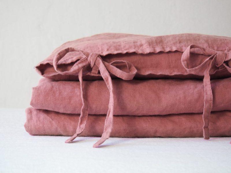 Różowa pościel do łóżeczka