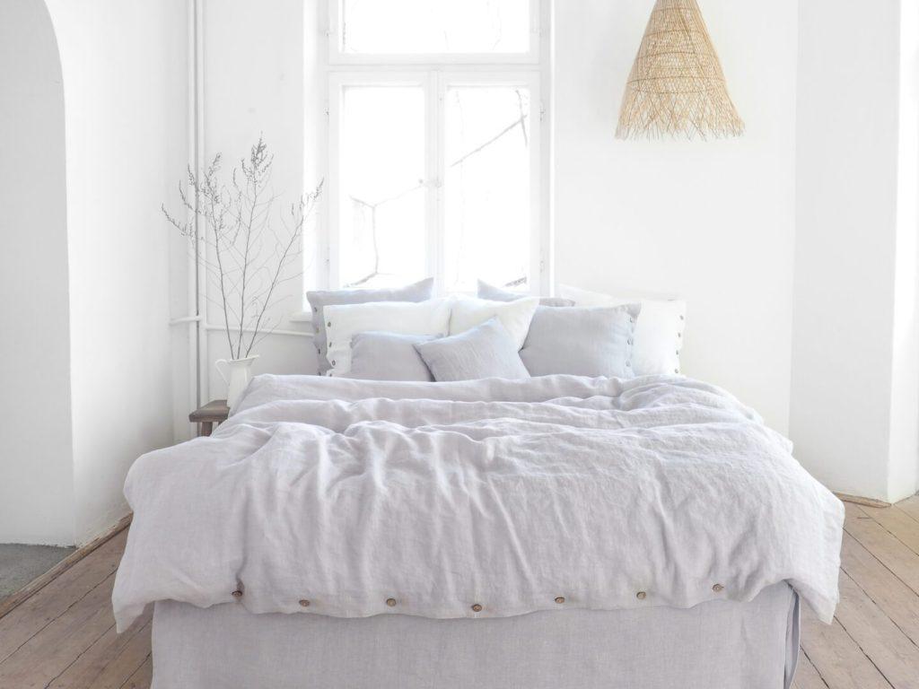 Linen bedding light grey