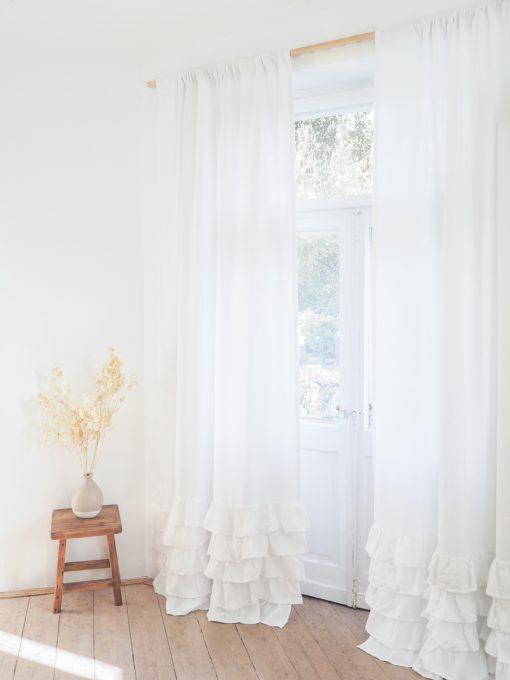 Weiße dicker Leinenvorhang
