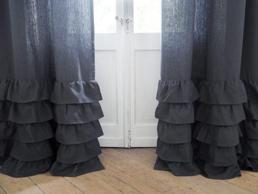 Dicker Leinenvorhang aus Holzkohle-Rüschen