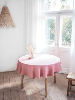 Różowy lniany okrągły obrus