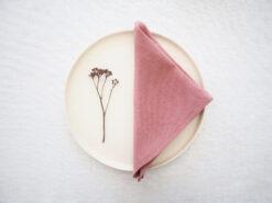 Różowe lniane serwetki