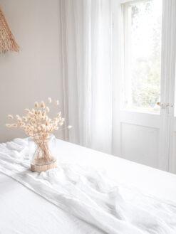 Weißer Leinen Musselin Tischläufer