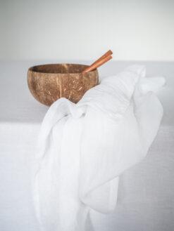 Biała serwetka lniany muślin