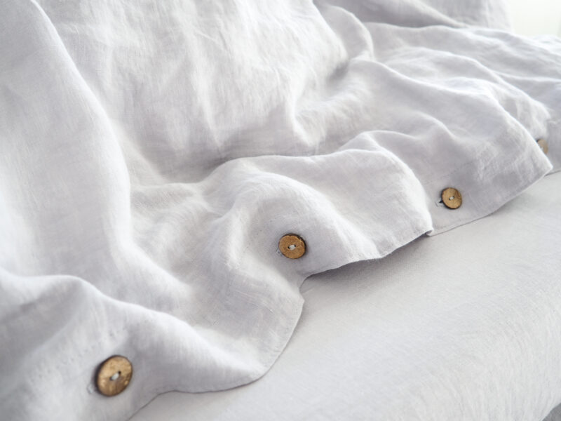 Why does linen crease?