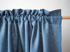 Niebieskie grube lniane zasłony