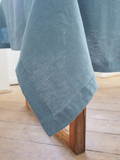 lniany obrus dusty blue