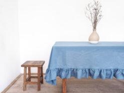 niebieski obrus lniany
